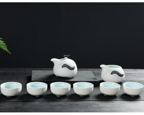 茶具套装-8头雪花釉(企鹅壶打线)